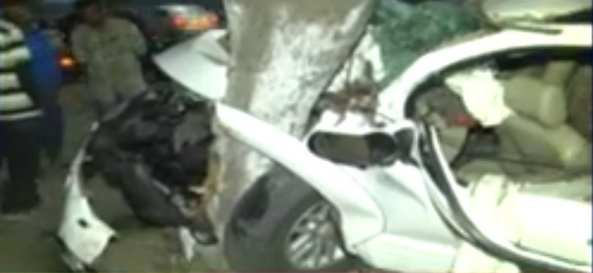 Hyderabad: 8 injured in car crash near Salar Jung Museum