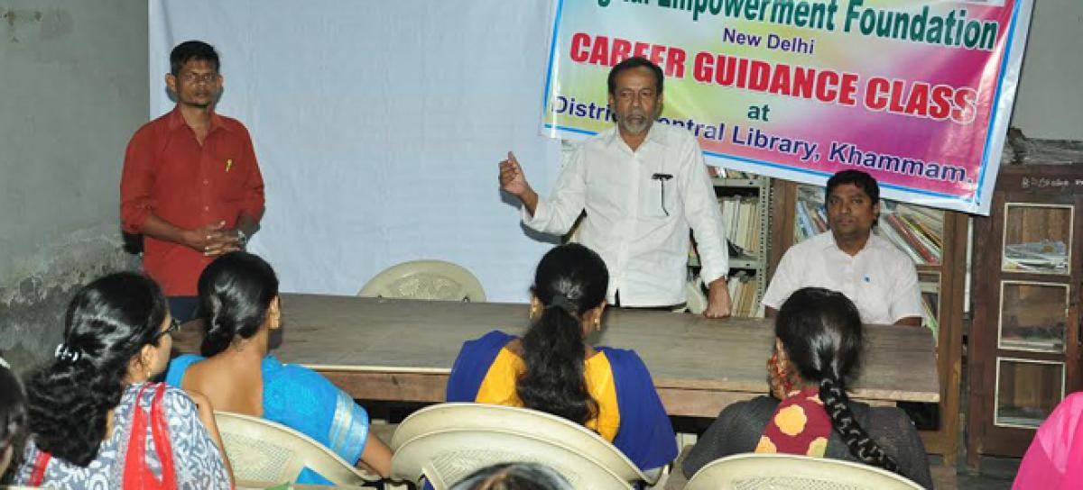 Need for career guidance for students stressed: Md Qamar