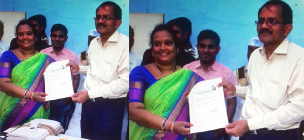 Nuvulla Prasanna elected as Bhongir's new municipal chairperson
