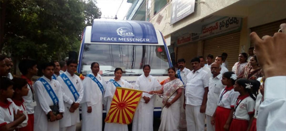 Corporator welcomes Brahmakumaris bus tour