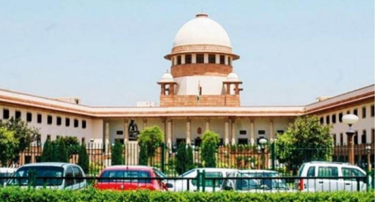Supreme Court  issues notice to  Andhra Pradesh  over High Court bifurcation