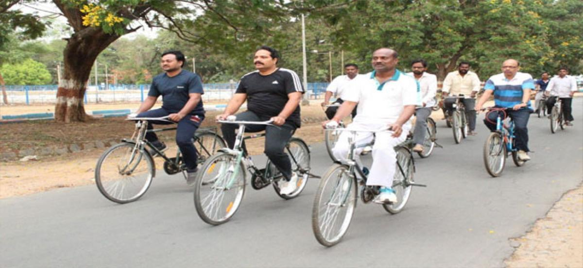 Corporator Goud leads cycle yatra
