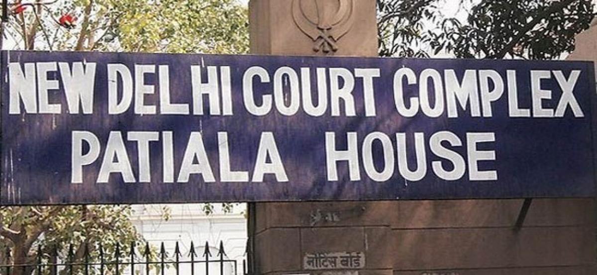 Delhi court summons Virbhadra Singh, others in DA case