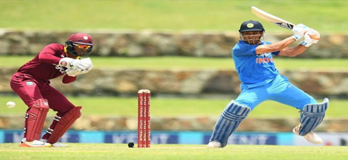 Vintage Dhoni, spinners power India to big win