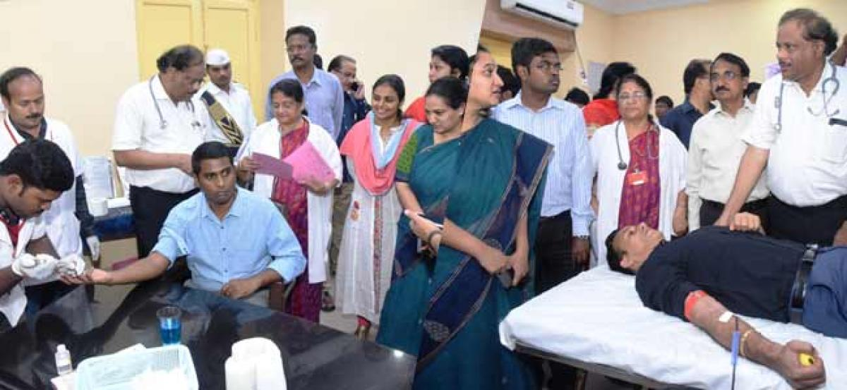Govt.Officials & Employees donating blood. Good response to collectors call