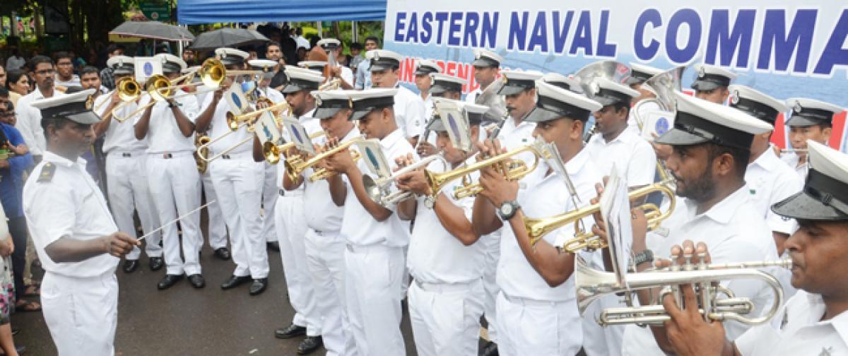 Naval band enthrals