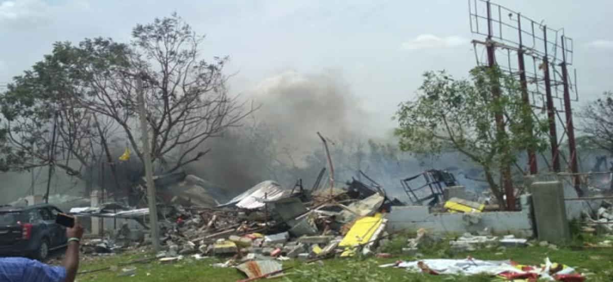 8 feared dead in fire mishap