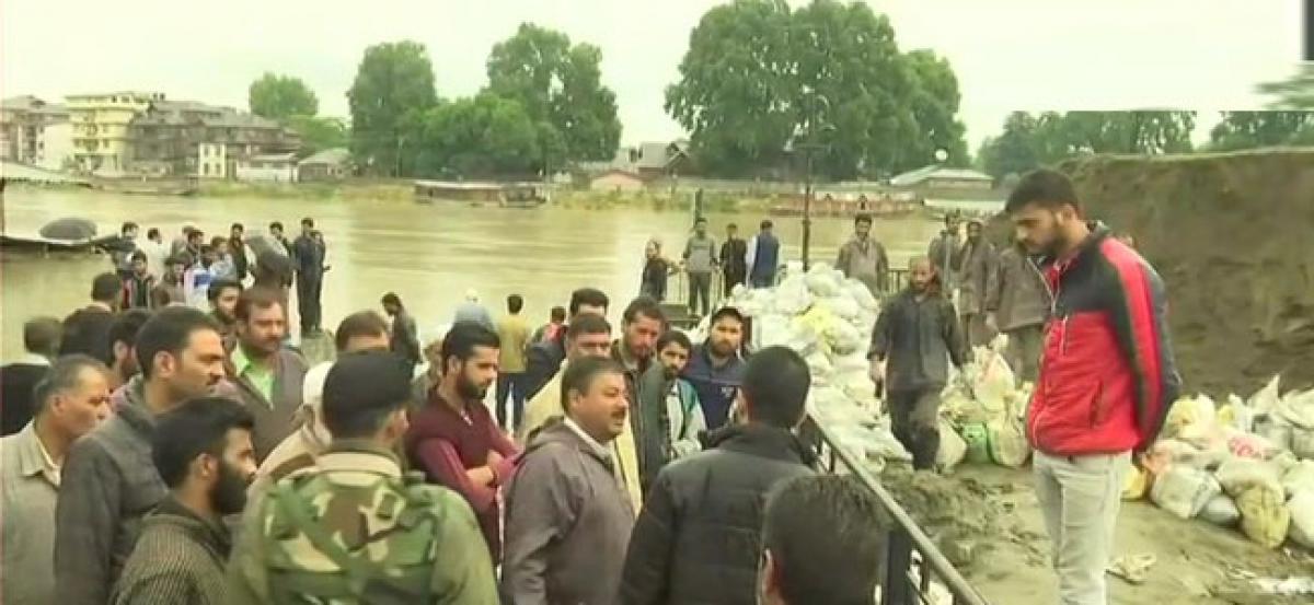 3 died in J-K, flood alert issued