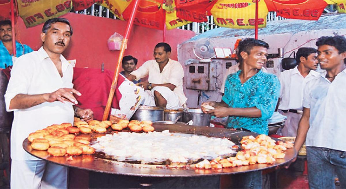 Centre holds training for street vendors