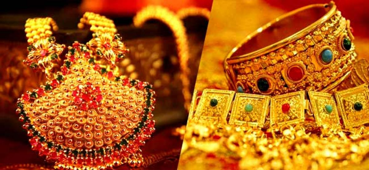 Gold Prices Rise on Festive Demand, Rate Touches Rs 32,650 Per 10 Gram
