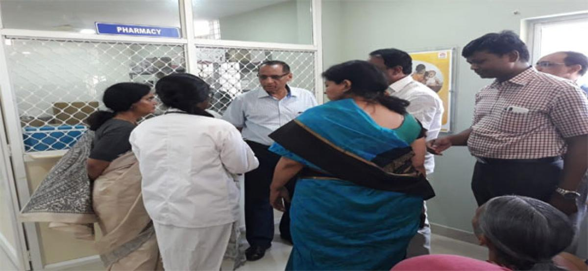 Governor visits govt hospital
