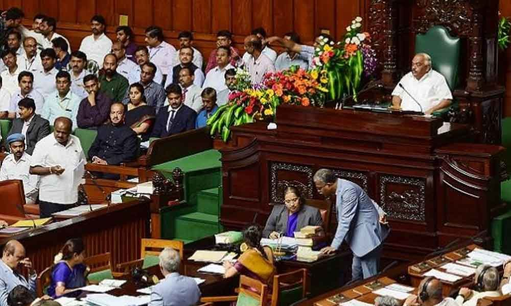 Karnataka assembly debates trust motion for 3rd day, Cong seeks deferring vote on MLAs resignation issue