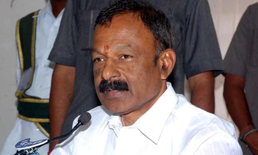 Raghuveera Reddy resigns as AP PCC chief