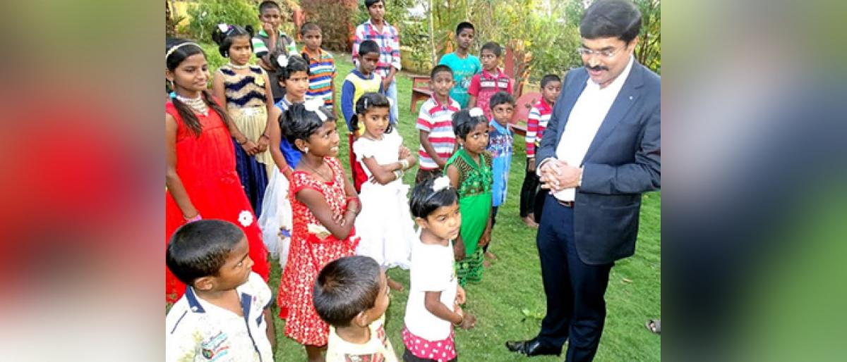 IAS officer lights up his Diwali with the smiles of 22 orphans.