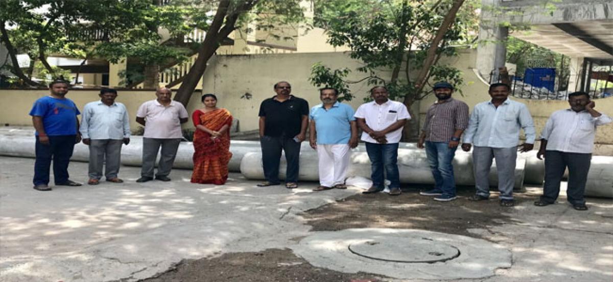 Kavitha visits Srinikethan Colony