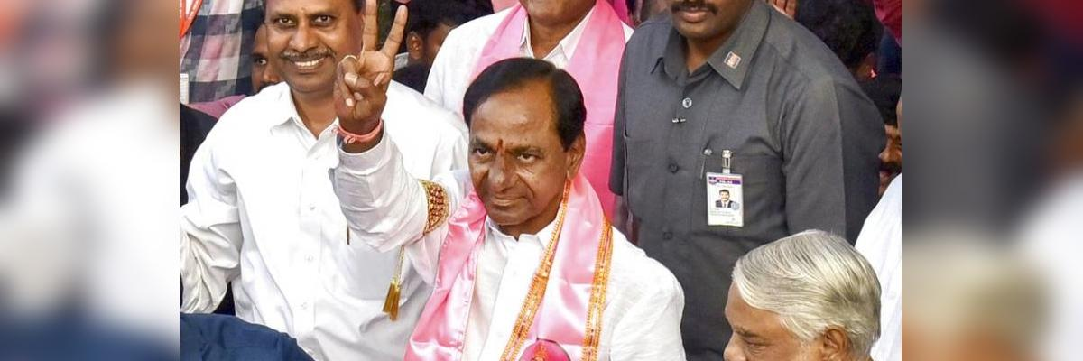 Ahead of oath taking today, KCR shares vision for non-Congress, non-BJP third front