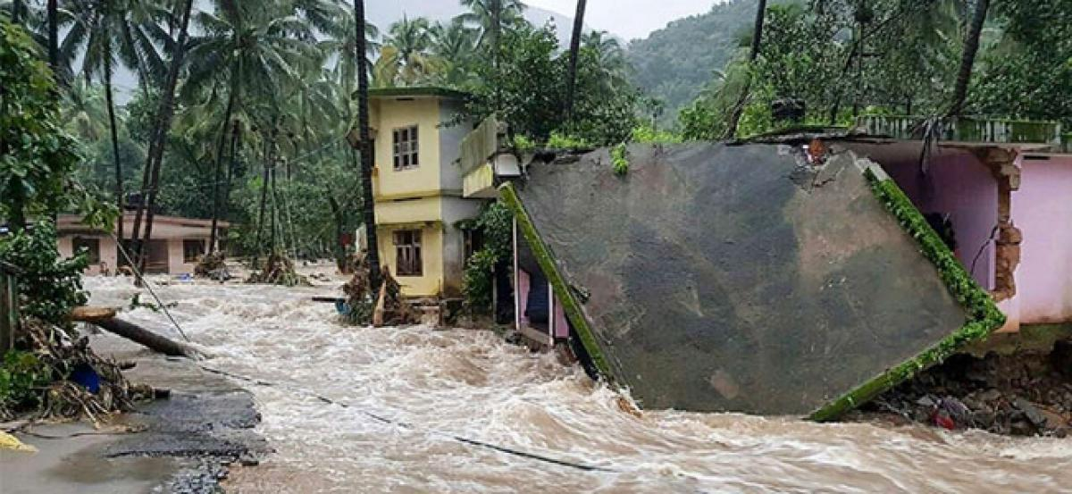 Indian Navy steps up rescue, relief efforts in flood-hit Kerala