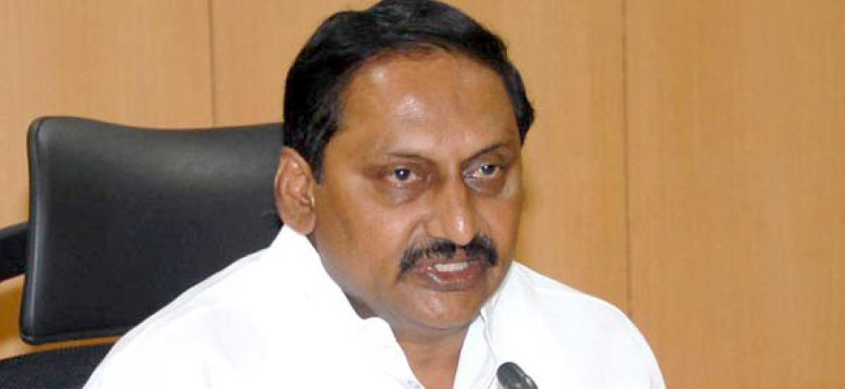 Kiran Kumar Reddy calls up Konathala, tells him to join Congress?