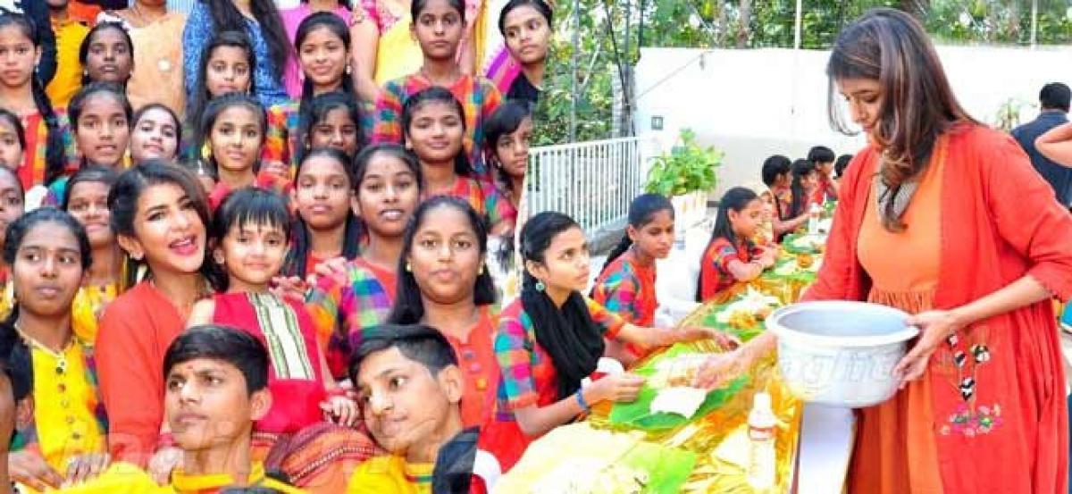 Lakshmi Manchu celebrates Sankranti with 'Teach for change' volunteers