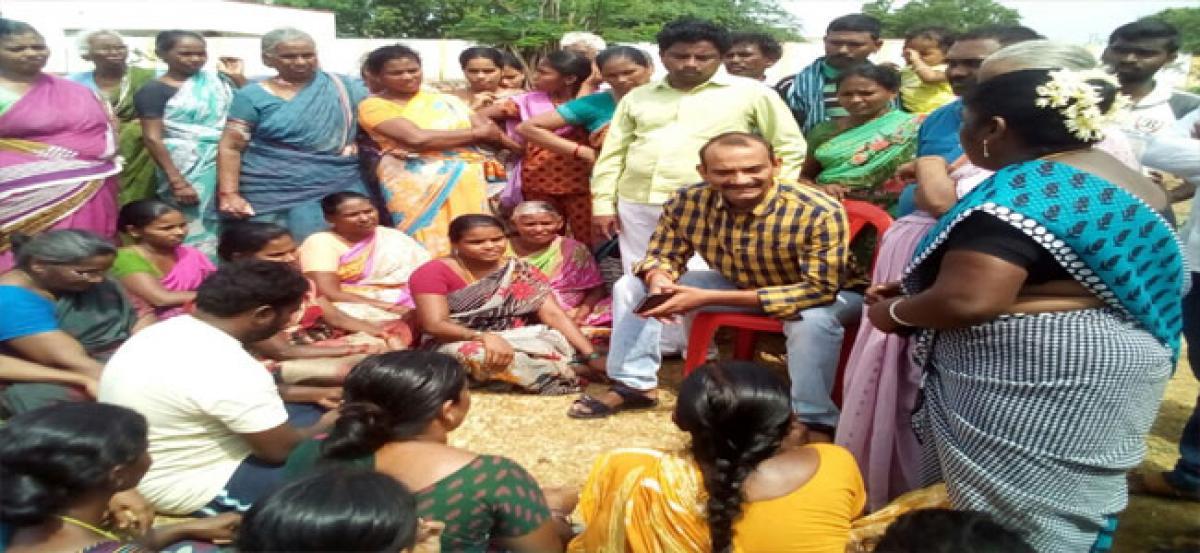 Women protest against liquor shops