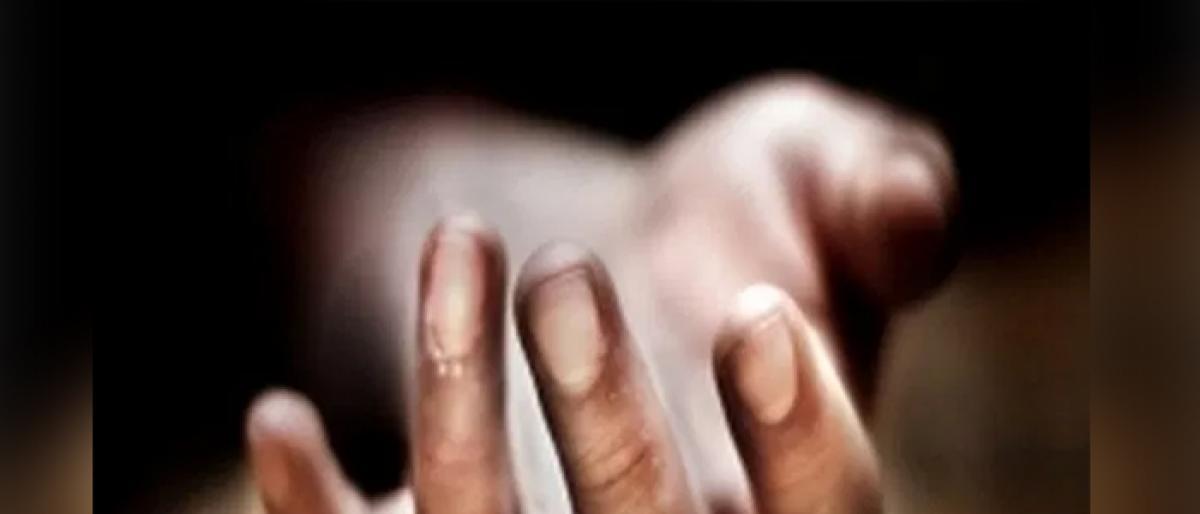 Drunk man strangles wife to death in Hyderabad