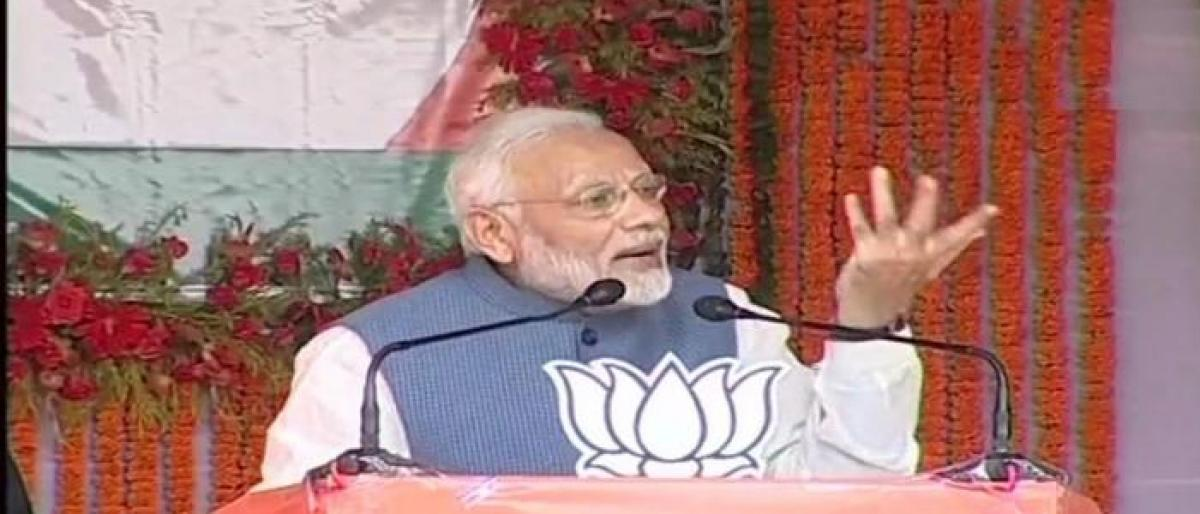 Modi challenges Congress to appoint a non-Gandhi as its chief