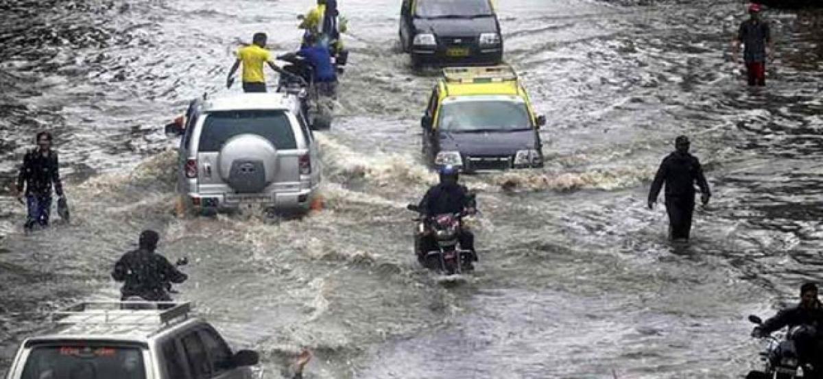 Multiple mishaps occur in Mumbai as rain pours