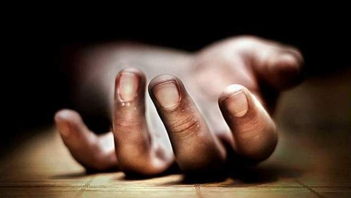 Software Engineer commits suicide, dead body found in car