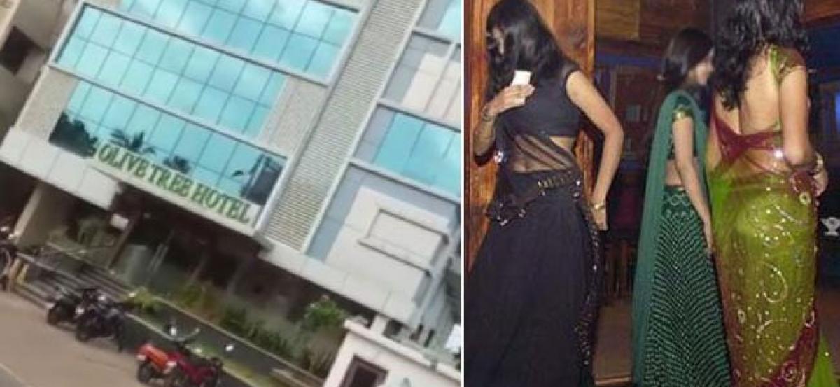 Obscene dances in Vijyawada hotel, Cops arrest 5 girls, 50 men