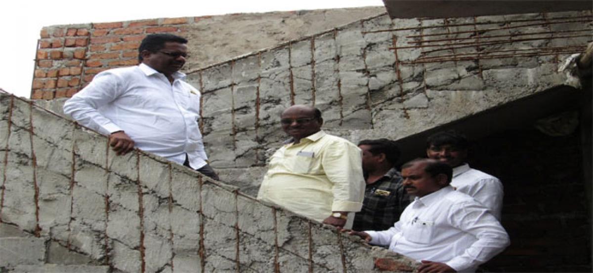 Pannala Devendar Reddy inspects ward office works
