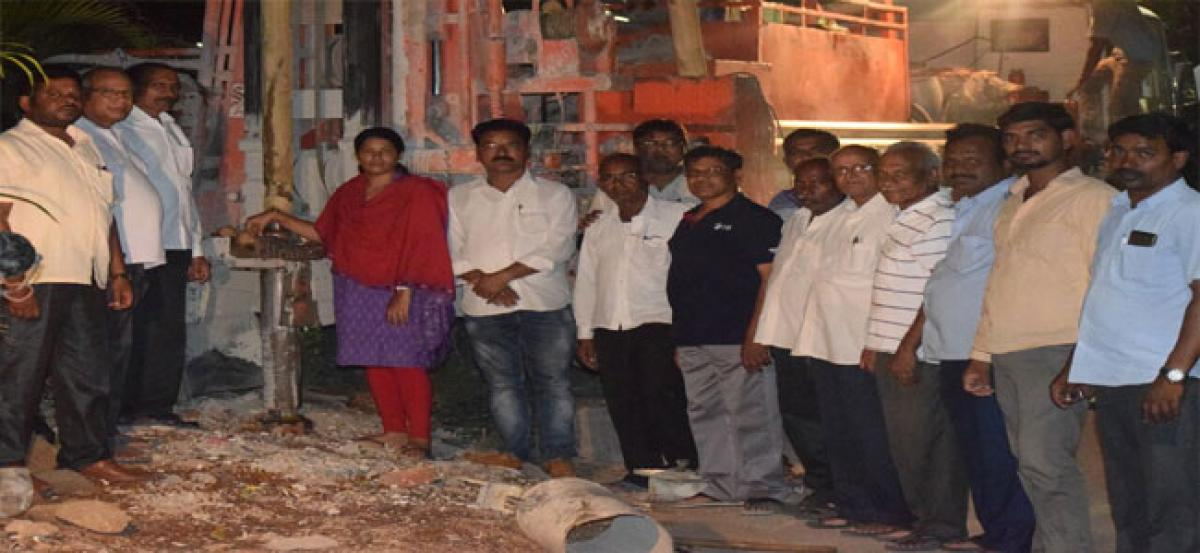 Borewell works inaugurated at DRDL Colony