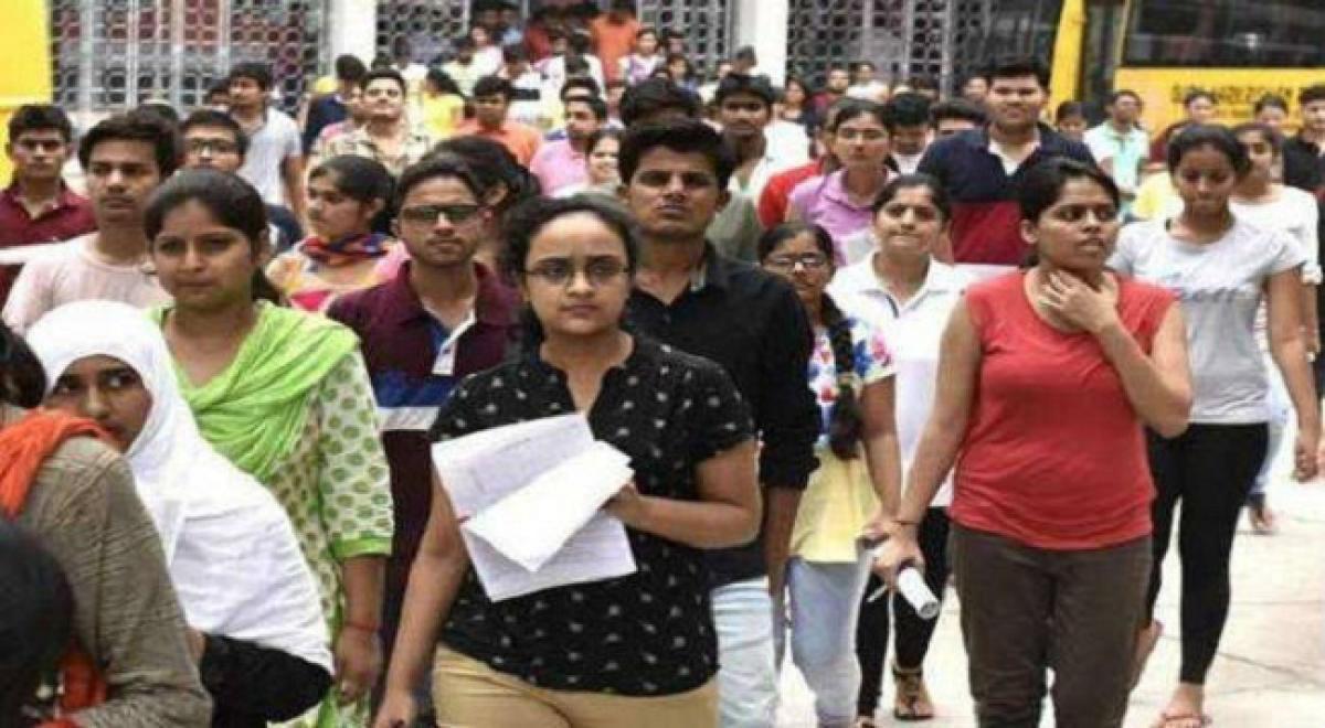 5.69 lakh apply for 9,355 posts of Jr. Panchayat Secretary in Telangana