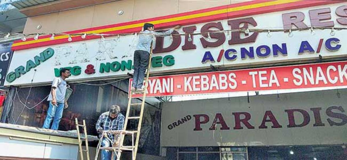 Court orders hotels to remove Paradise boards for misusing it