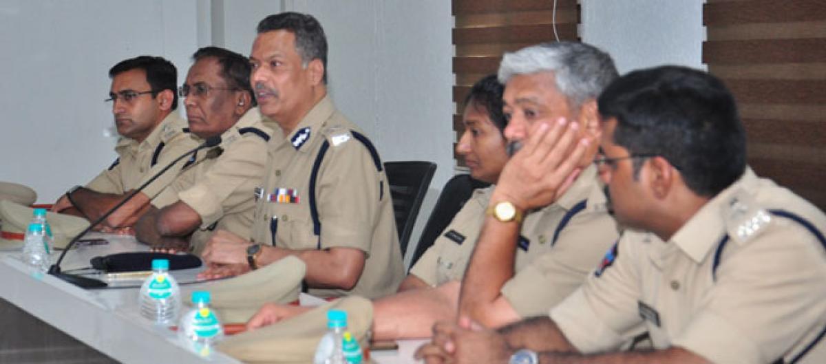 Vijayawada City police chief pats cops