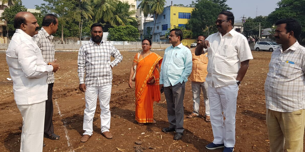 GUDA funds for Cricket pitch at the municipal park in Rajamahendravaram