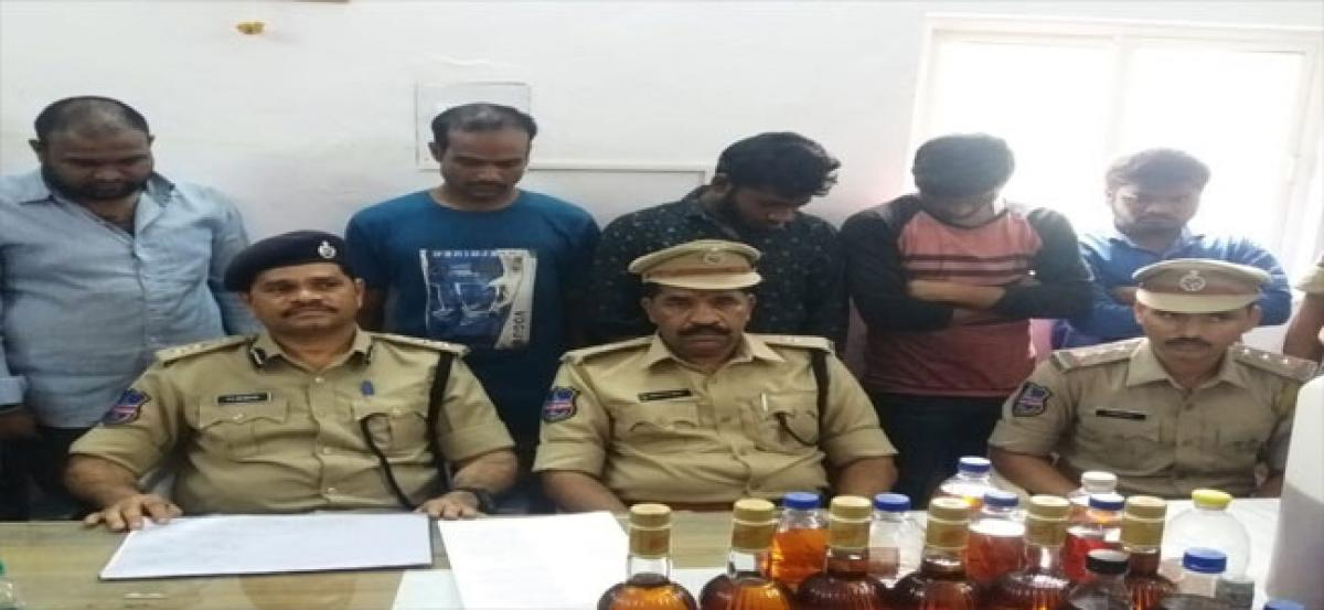 Spurious liquor racket busted: five held