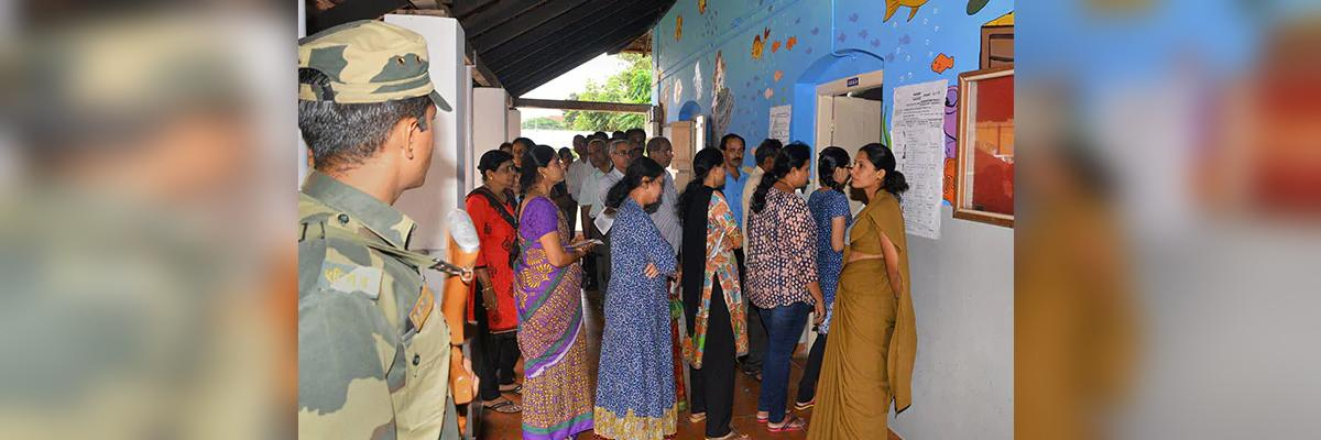 Tension mounts in Huzurnagar after TRS leaders campaign at polling centre