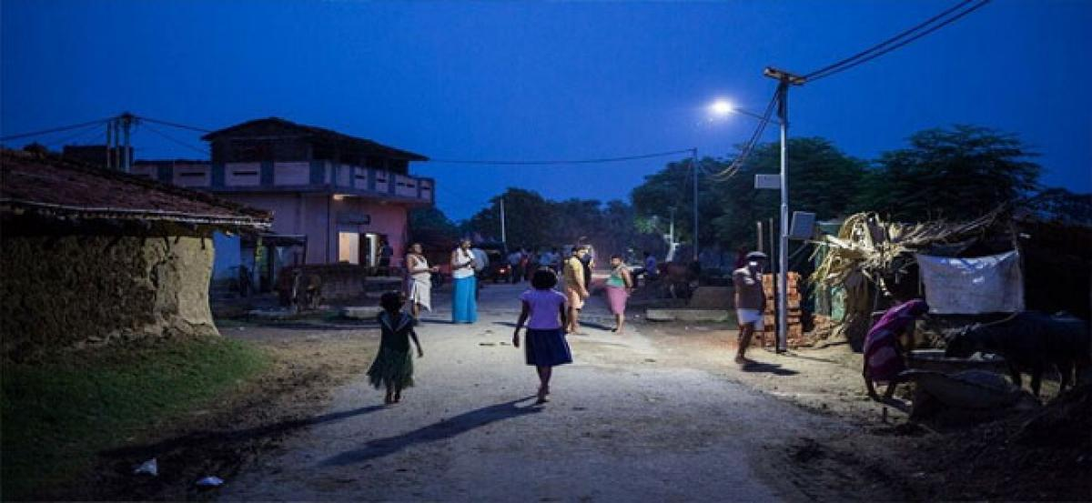 Residents of Parigi resent frequent power tripping