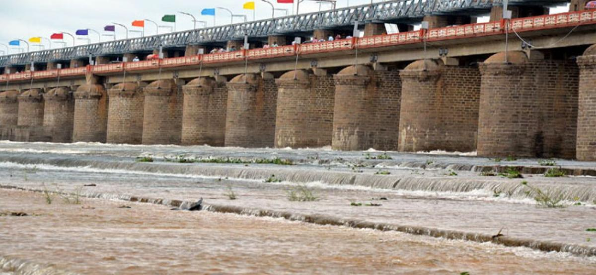 Prakasam Barrage receives inflows from Muneru, Paleru