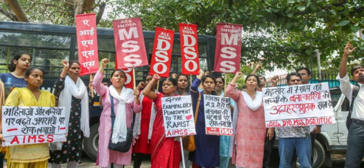Father of 8-yr-old Mandsaur rape victim says no to money, demands death penalty