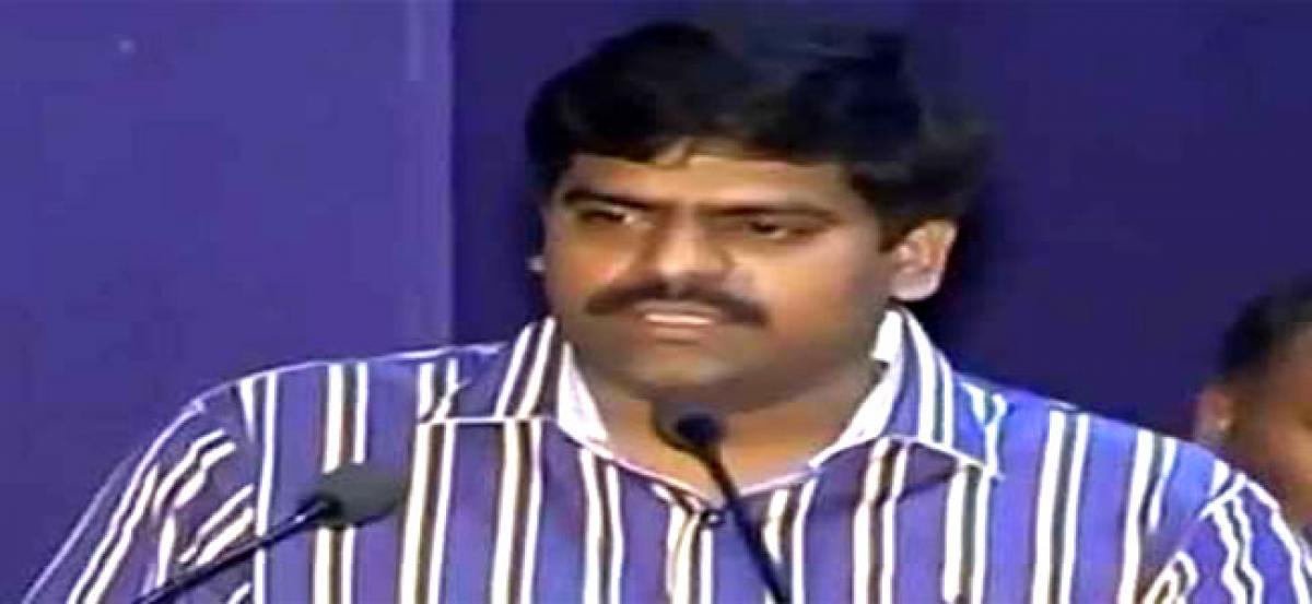 Collector suspends 14 VROs in Nellore