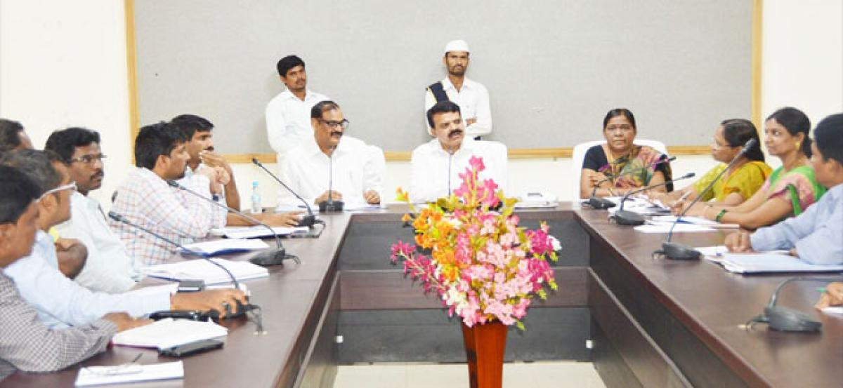 Collector reviews alternative arrangements to supply rations