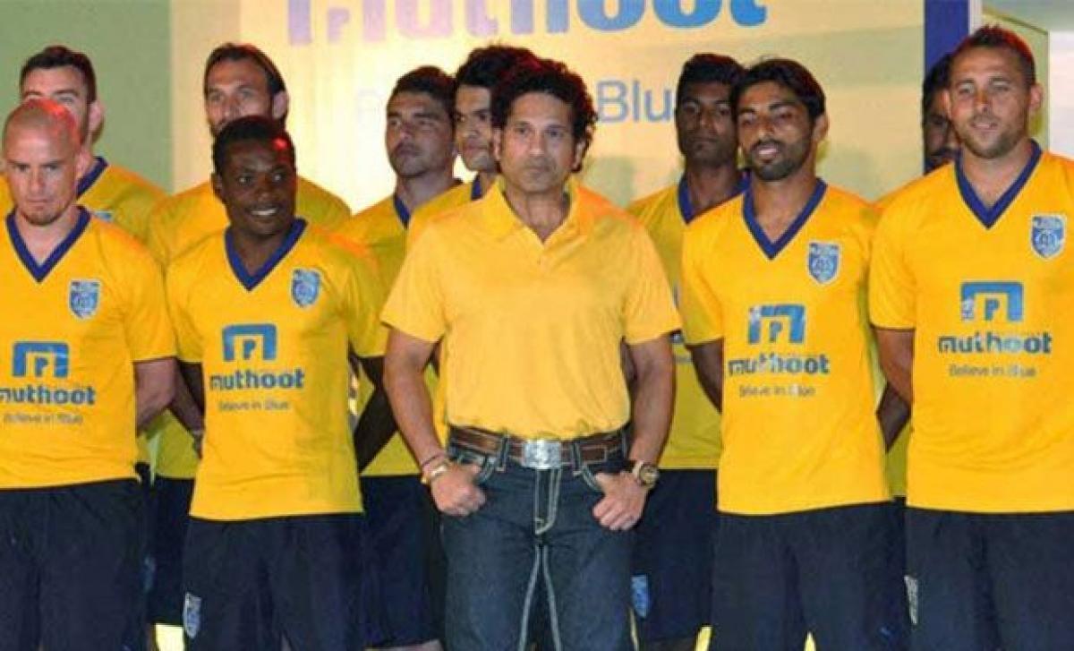 Quit; Kapil tells Sachin