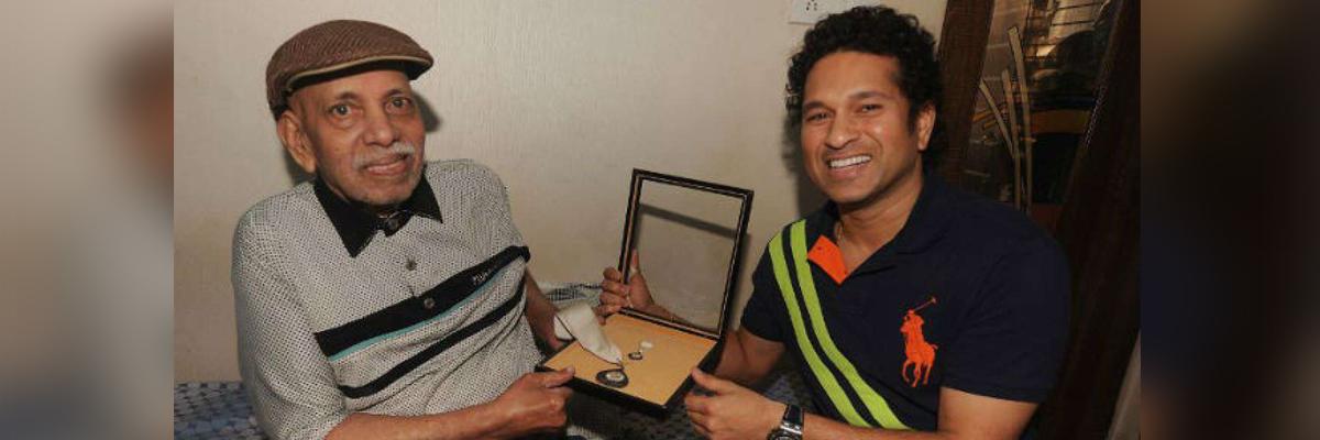 'Boycott govt events': Sena to Tendulkar over no state funeral for his coach Achrekar