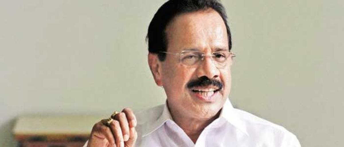 Sadananda Gowda predicts the Coalition govt in Karnataka will fall within a month
