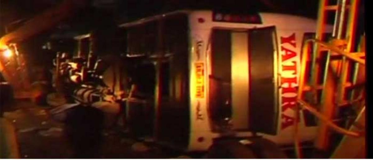 Head-on collision of two buses in Salem leaves 7 dead, 30 injured