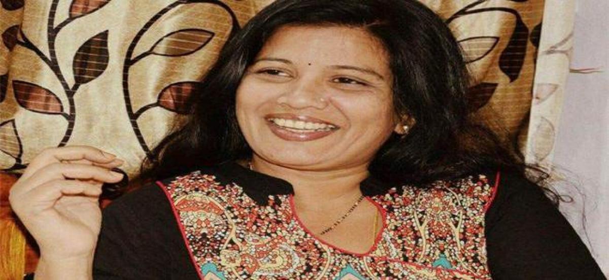 Telangana folk singer Sandhya passes away