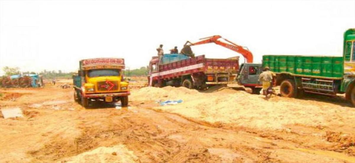 Sand mining goes unabated in Kurnool