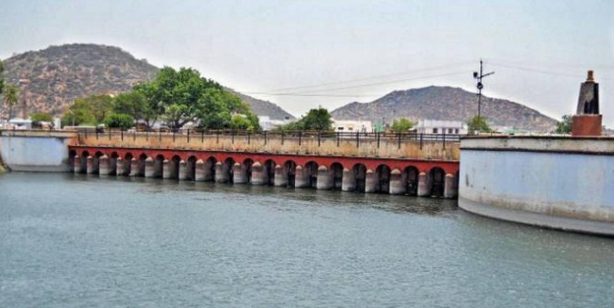 Two youngsters from Karnataka drown at Sangam barrage, die