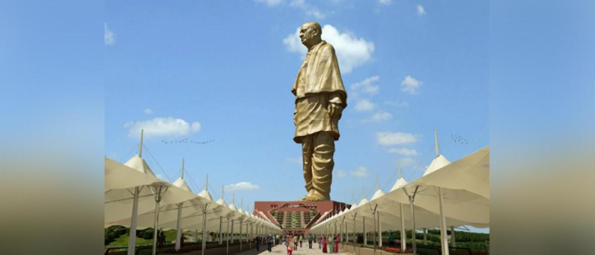 Congress wants Vallabhbhai Patels ban order on RSS at Statue of Unity base
